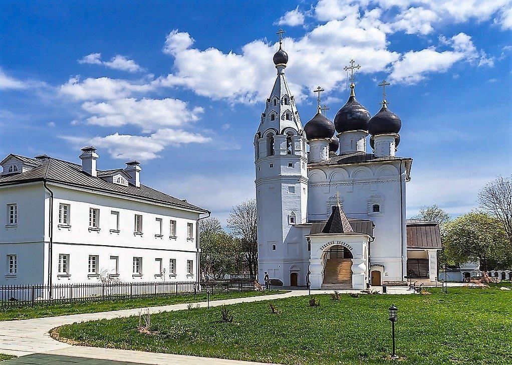 Спасский монастырь в городе Верея